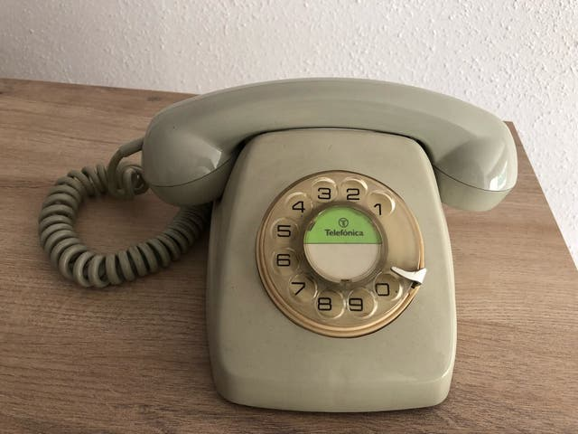 Tel fono antiguo de rueda de segunda mano por 17 en for Telefono bricodepot valencia