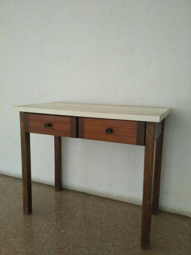 Mesa de cocina peque a de segunda mano por 22 en jaca en - Mesa cocina pequena ...