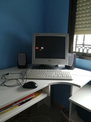 Monitor, ratón, teclado y altavoces