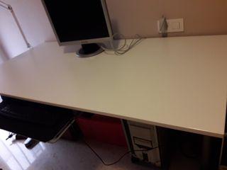 Mesa escritorio oficina de segunda mano por 90 en oliva en wallapop - Escritorio oficina segunda mano ...
