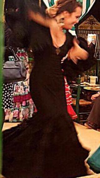 Trajes de flamenca negro con lunares