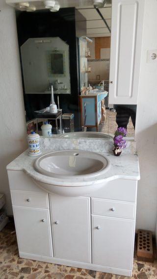 Conjunto de armario para lavabo y espejo 95cm.