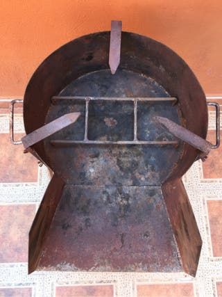 Paellero 40cm. De diámetro , barbacoa de hierro