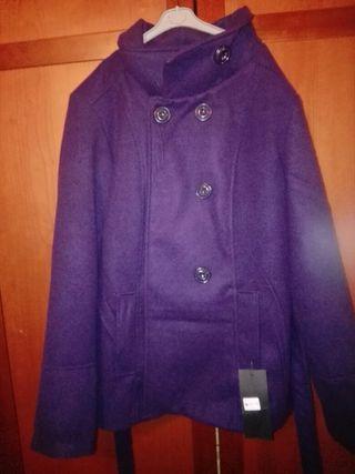 chaqueta color berenjena talla L