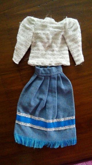 Antiguo traje de Barbie