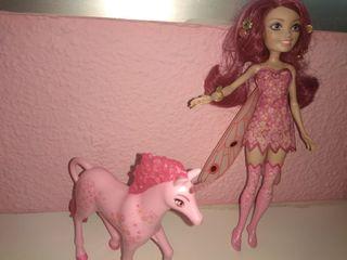 muñeca Mia y su caballo