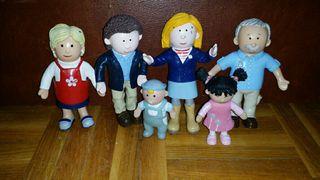 Muñecos para casa de muñecas