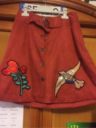 Falda color ladrillo mujer NUEVA con parches