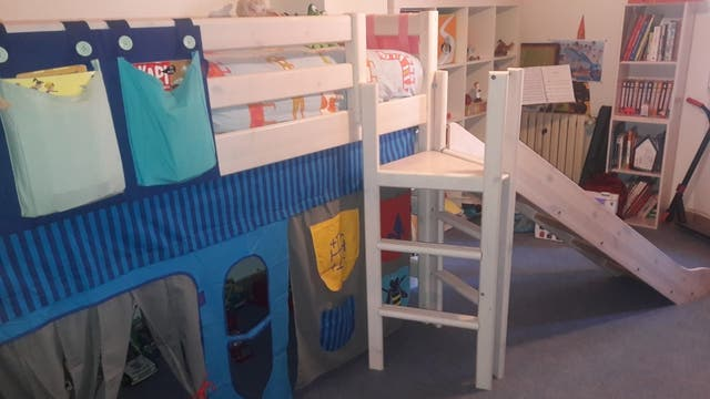Cama infantil con tobogan cama alta de nios cama de juego for Camas nido baratas