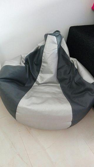 puf de polipiel gris y plata