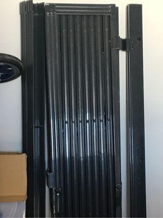 Puerta rejas de ballesta