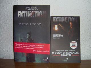 Extinction (Y pese a todo): guión y novela