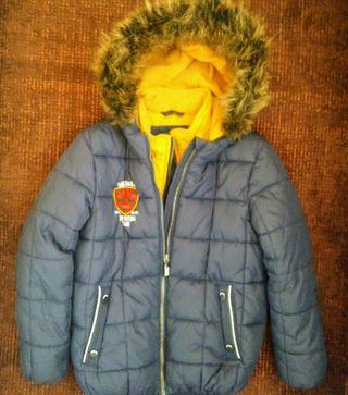 abrigo niño C&A talla 8 años