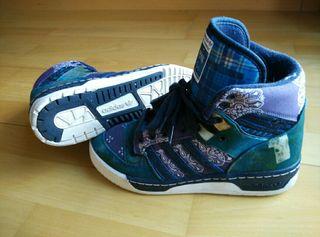 """Adidas edición limitada """"THE FOURNESS"""""""