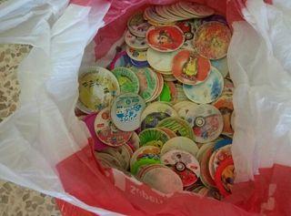 Tazos pokemon, cartas Digimon y Yu Gi-Oh!