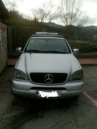 Mercedes-Benz ML 2001