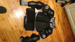 TROY LEE descender body armour