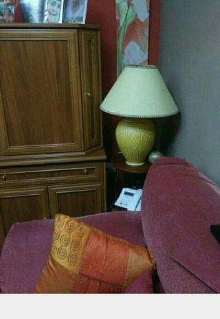 se vende lampara pie salon