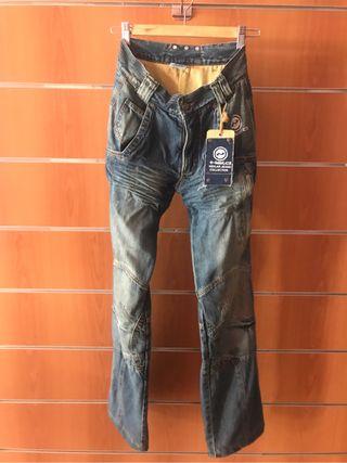 Pantalon vaquero moto