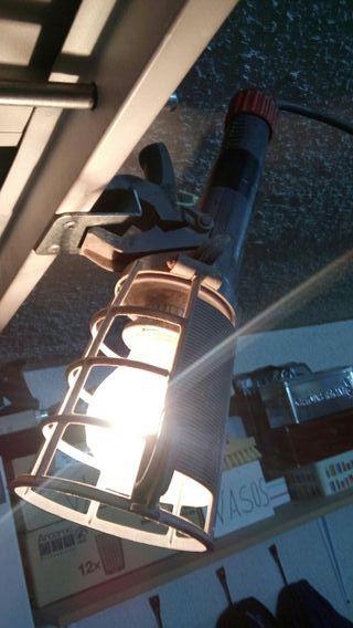 luz portatil : enchufe, enganche y 7.30m d cable