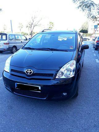 Toyota Corolla Verso 2,2 177cv