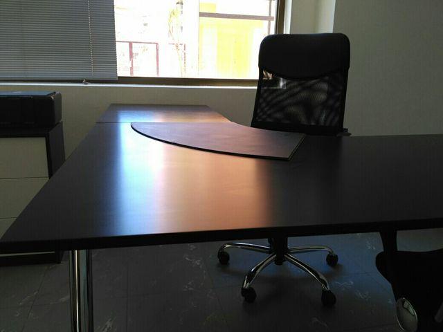 Mesa oficina o despacho y mesa recepción de segunda mano por 10 € en ...
