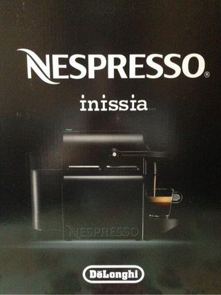 20€ de descuento. Nespresso Inissia negro.