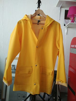 chubasquero amarillo marca elka