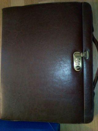 Portafolios-maletin vintage ordenador