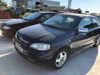 Opel Astra 2000 se vende para despiece