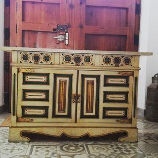 mueble estilo castellano