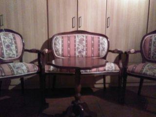 conjunto de mesa y sofas
