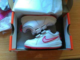 deportivos niña Nike 21