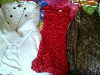vestidos y abrigo