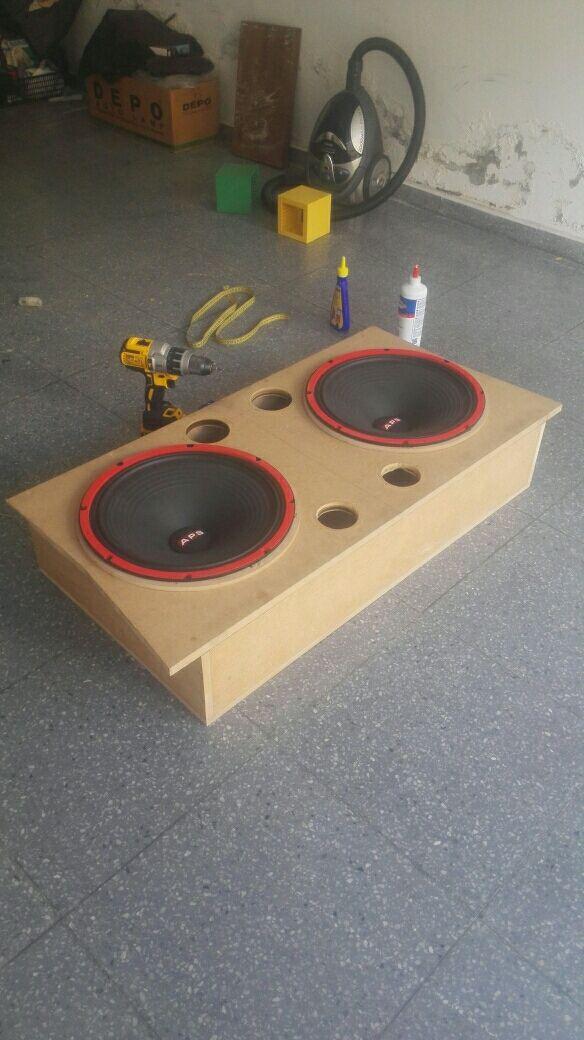 instalación de equipos de música, radios...