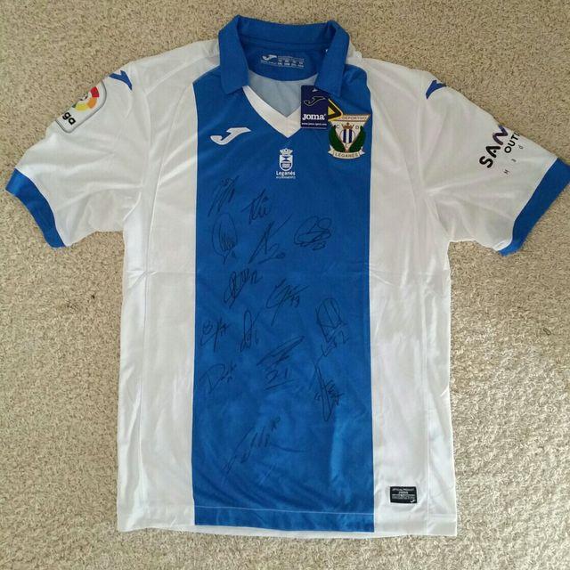 Camiseta Firmada CD Leganes de segunda mano por 50 € en Torrejón de ...