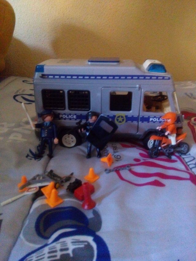 Furgón de policía y Maletín del Oeste PlayMobil