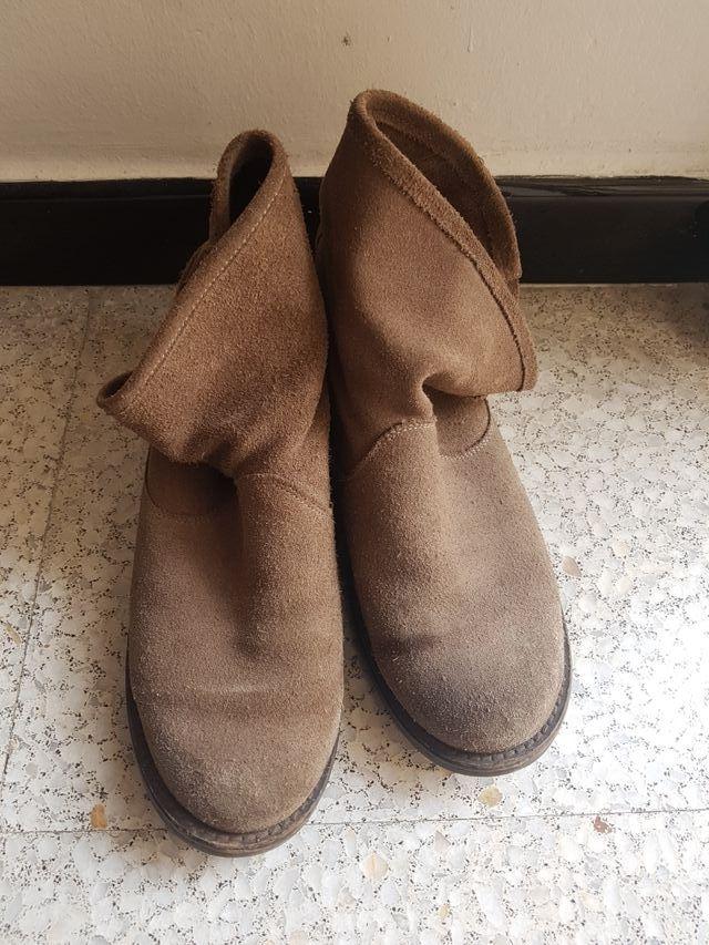 85f9b3e5027 Botas mujer. color marrón. de segunda mano por 12 € en Palma de ...