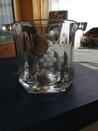Juego cristalería 6 vasos y hielera