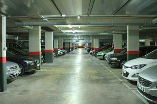 alquiler parking moto o remolque Reus