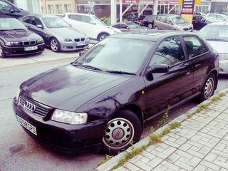 Audi A3 1.8 I 2000 volante a la derecha