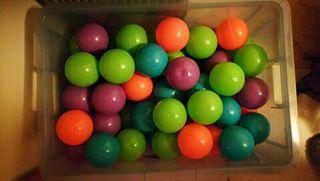 pelotas de colores o bolas