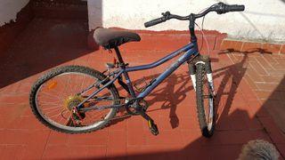 Bicicleta paseo BTWIN cambio shimano