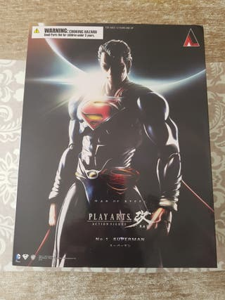 Figura Superman Play arts kai