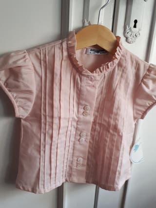 Delicada blusa niña T2 nueva, con etiqueta