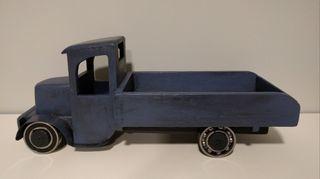 Camion de madera restaurado