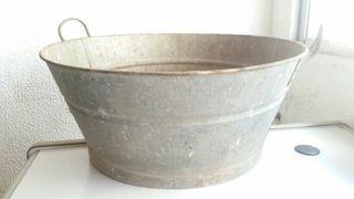 antiguo balde o barreño 50 centímetros