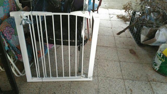 Puerta seguridad para bebes de segunda mano por 30 en - Puertas de seguridad para ninos ...