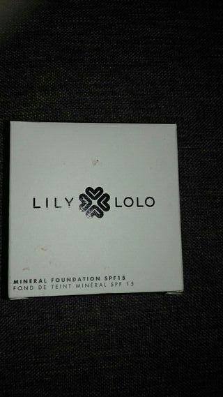 Base de maquillaje LILY LOLO (a base de minerales