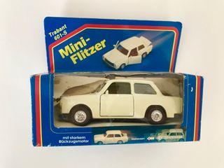 TRABANT 601-S coche coleccion